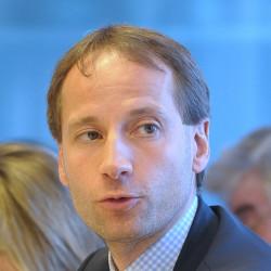 Dr. Axel Schweitzer