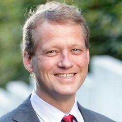 Dr. Eric Schweitzer